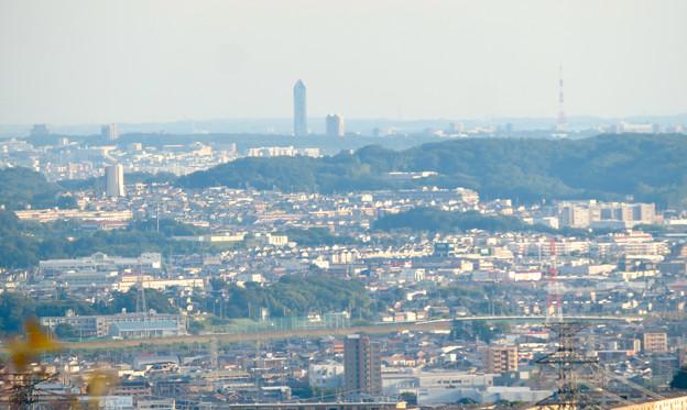 西高森山の山頂から見た景色 - 13:東山スカイタワー