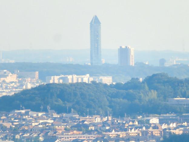 西高森山の山頂から見た景色 - 14:東山スカイタワー