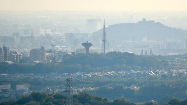 西高森山の山頂から見た景色 - 15:桃花台中央公園と小牧山