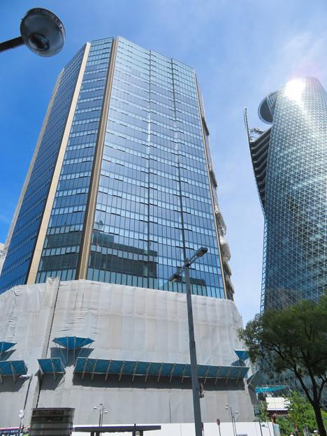 だいぶ完成してたスパイラルタワーズ横のビル(2020年7月12日)