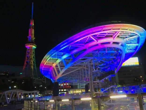 カラフルな名古屋テレビ塔とオアシス21のイルミネーション - 4