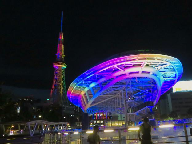 カラフルな名古屋テレビ塔とオアシス21のイルミネーション - 5
