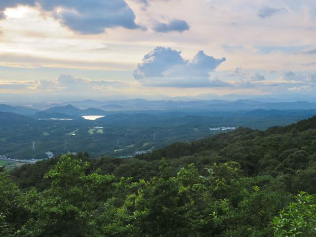 弥勒山山頂から見た景色 - 1:遠くの山々まで見えた岐阜方面
