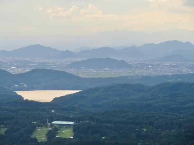 弥勒山山頂から見た景色 - 2:入鹿池と伊木山