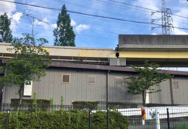 桃花台線の国道155号立体交差手前の高架撤去工事(2020年8月12日)- 4