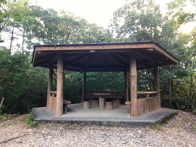 春日井市少年自然の家「野外教育センター」 - 47:六角堂