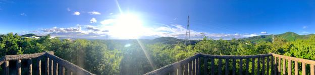 春日井市少年自然の家「野外教育センター」展望台から見た景色のパノラマ写真 - 2:高森山~西高森山~春日井三山