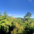 春日井市少年自然の家「野外教育センター」展望台から見た景色のパノラマ写真 - 4:春日井三山~高森山
