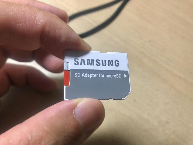 Samsung製microSDXCカード「EVO Plus(64GB)」 - 12:SDカードアダプターに挿入