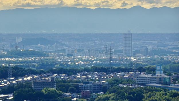 西高森山山頂から見た景色 - 6:小牧山とスカイステージ33