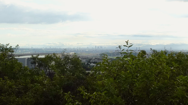 春日井市少年自然の家「野外教育センター」展望台から見た景色 - 1:名古屋方面