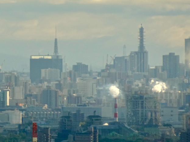 春日井市少年自然の家「野外教育センター」展望台から見た景色 - 12:名古屋テレビ塔とNTTドコモ名古屋ビル