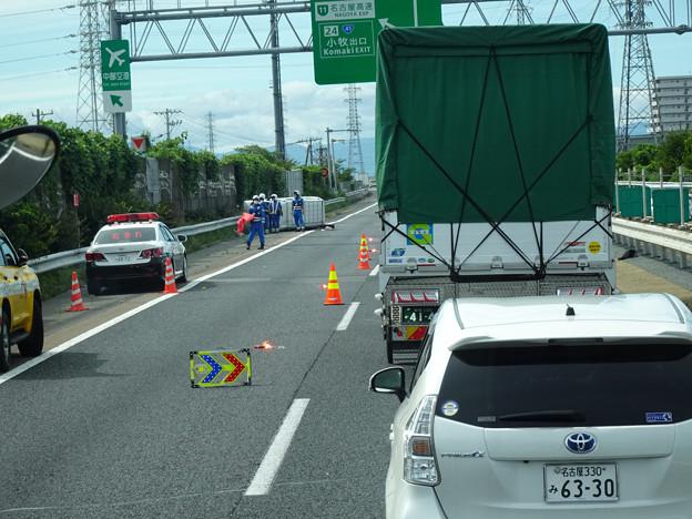 東名高速 小牧JCT~小牧インター間で起きていたワゴン車の横転事故(2020年9月) - 2