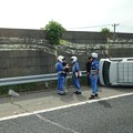 Photos: 東名高速 小牧JCT~小牧インター間で起きていたワゴン車の横転事故(2020年9月) - 4