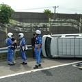 Photos: 東名高速 小牧JCT~小牧インター間で起きていたワゴン車の横転事故(2020年9月) - 5