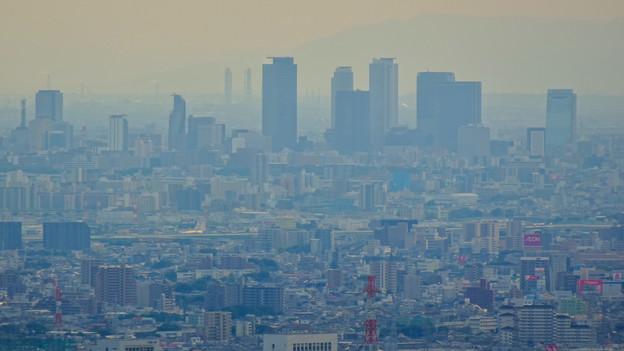 弥勒山中伏の東屋から見た名古屋方面の景色 - 2:名駅ビル群