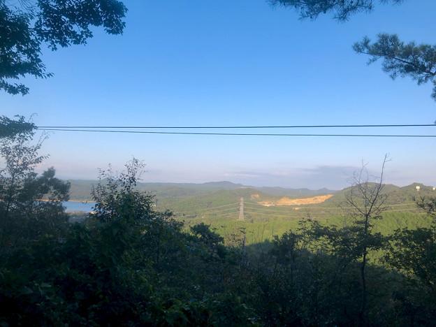 尾張信貴山 泉浄院 No - 37:本堂前から見た景色(入鹿池ほか)
