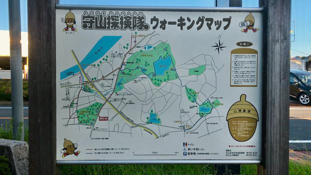 小幡緑地 西園 No - 16:駐車場出入り口にある「守山探検隊ウォーキングマップ」