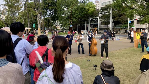 リニューアル直後で賑わう久屋大通公園 - 23:ソーシャルタワーマーケット