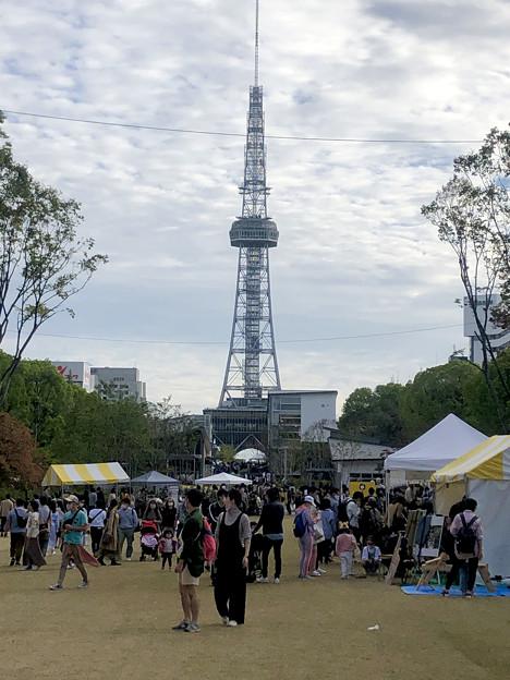 リニューアル直後で賑わう久屋大通公園 - 24:ソーシャルタワーマーケット