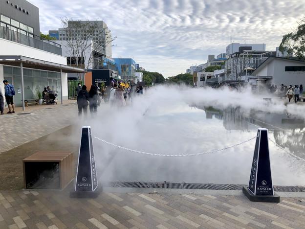 リニューアル直後で賑わう久屋大通公園 - 38:定期的に出る?水蒸気