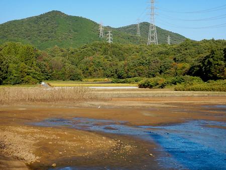 池干し中の宮滝大池 - 2