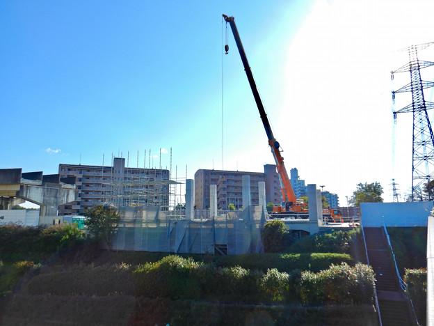解体工事中の桃花台線桃花台東駅(2020年10月26日) - 1