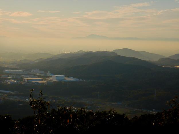 尾張白山と雲の上に見えた伊吹山 - 1