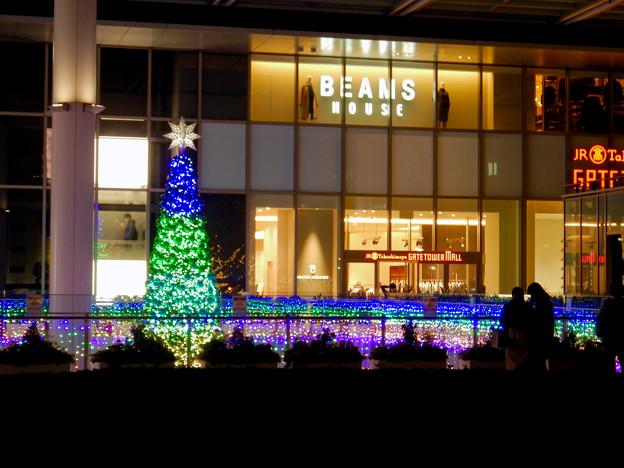 ゲートタワー前のクリスマスツリー 2020 No - 10