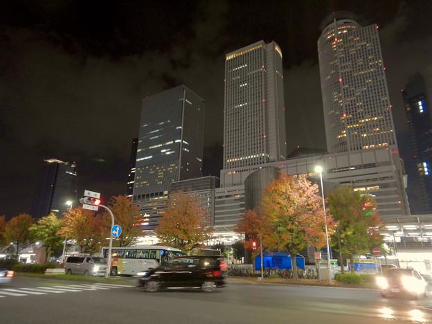 名古屋駅西口から見上げた名駅ビル群(秋)- 13