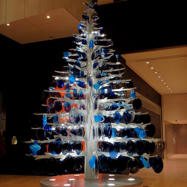 ミッドランドスクエア:ガラスのお皿で作ったクリスマスツリー - 2