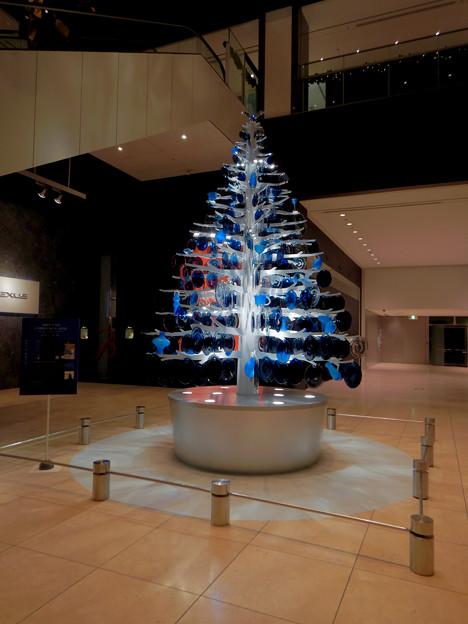 ミッドランドスクエア:ガラスのお皿で作ったクリスマスツリー - 1
