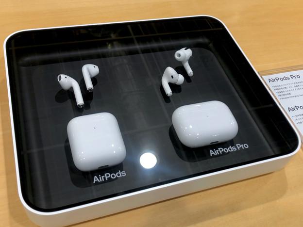 店頭で展示されてた Aipods と Airpods Pro - 2
