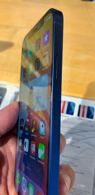 iPhone 12 - 2:側面