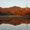 Photos: 宮滝大池に映る秋の春日井三山 - 3