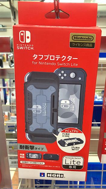 HORI製のNintendo Switch Lite用耐衝撃カバー