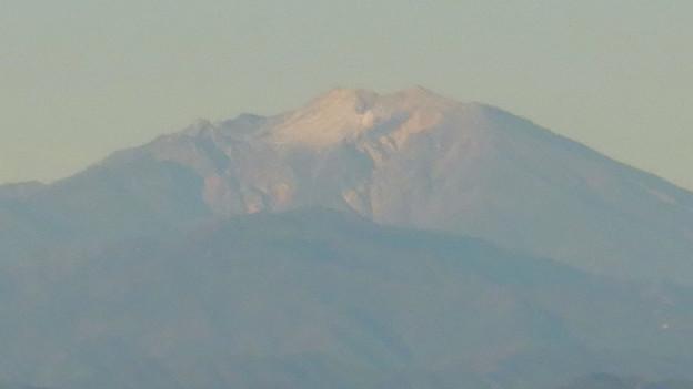 弥勒山山頂から見た頂上付近に薄っすら雪を頂く御嶽山 - 4