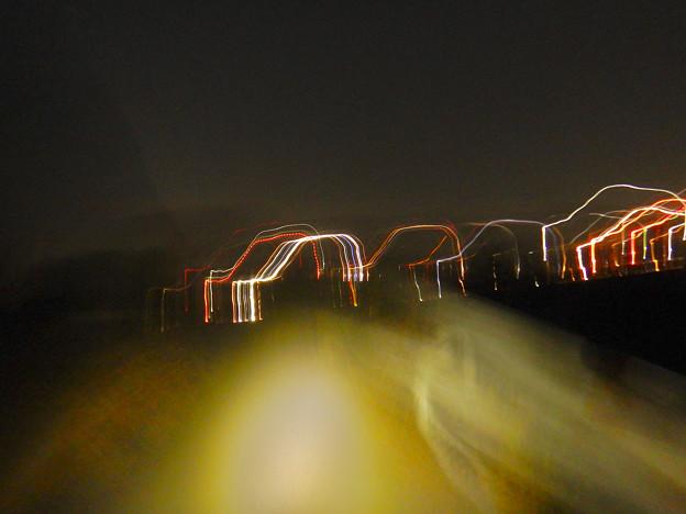 手ブレで作った光の軌跡 - 1:自動車みたいに!w