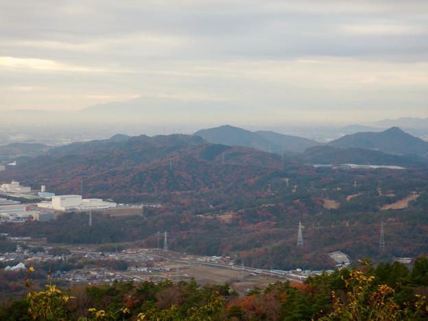 弥勒山山頂から見た景色 - 2:尾張白山、本宮山、尾張富士、入鹿池