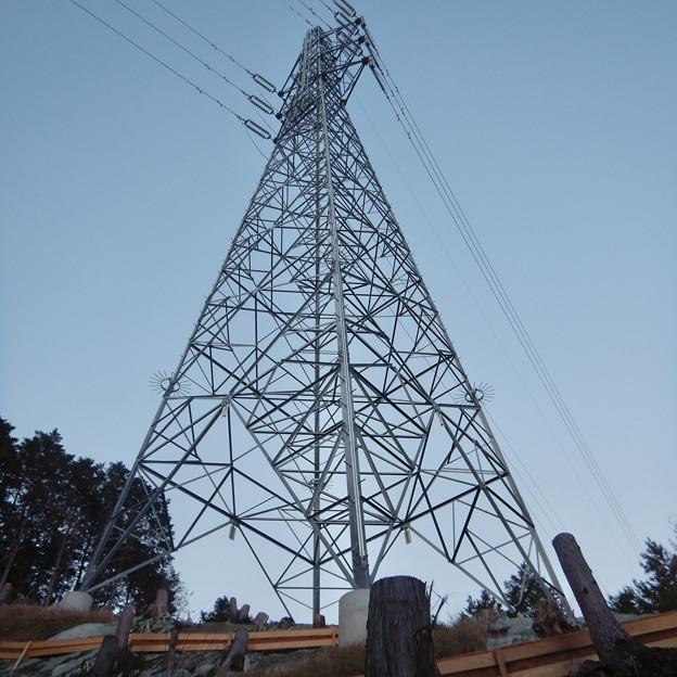 完成したと見られる、ふれあいの森のリニア中央線用の送電線鉄塔 - 3