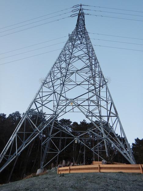 完成したと見られる、ふれあいの森のリニア中央線用の送電線鉄塔 - 4