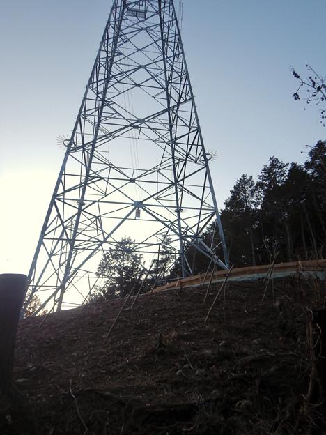 完成したと見られる、ふれあいの森のリニア中央線用の送電線鉄塔 - 6