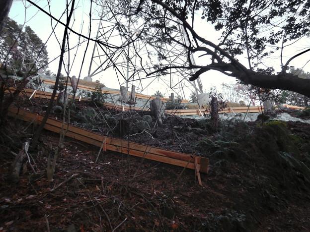 完成したと見られる、ふれあいの森のリニア中央線用の送電線鉄塔 - 1