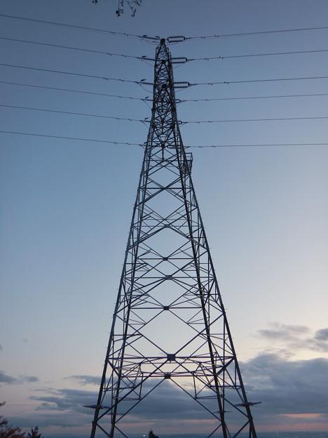 完成したと見られる、ふれあいの森のリニア中央線用の送電線鉄塔 - 12