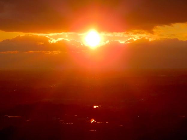 西高森山山頂から見た夕日 -  2