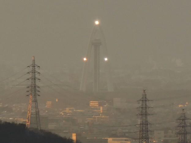 西高森山山頂から見たツインアーチ138 - 3:ライト点灯時