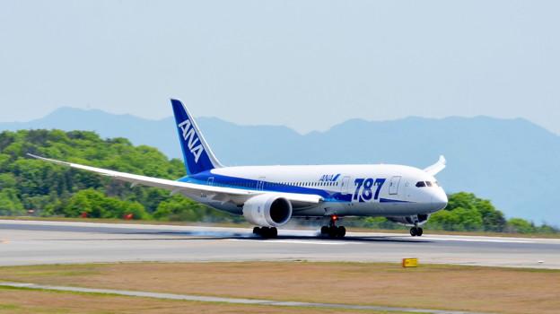 BOEING 787 JA818A (6)