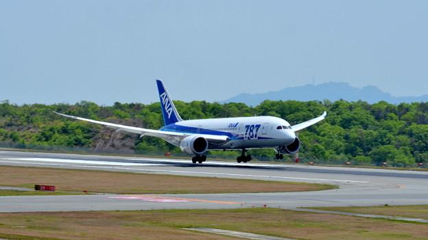 BOEING 787 JA818A (5)