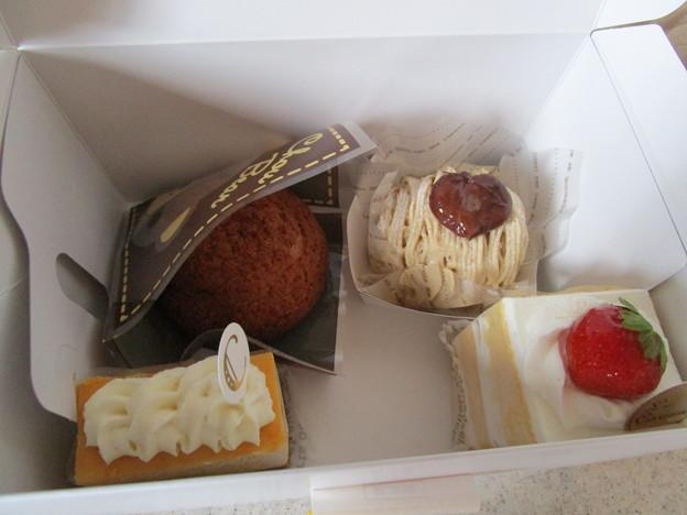 1200円セットケーキを購入