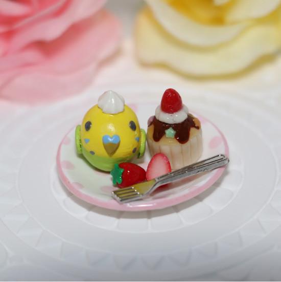 n011ミニチュア/いちごカップケーキプレート/セキセイ・グリーン